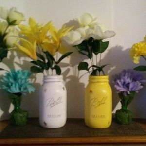 Set of 4 Quart Sized Mason Jars (Including Flowers
